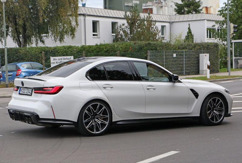 新型 BMW M3 セダン ホワイトボディ サイド
