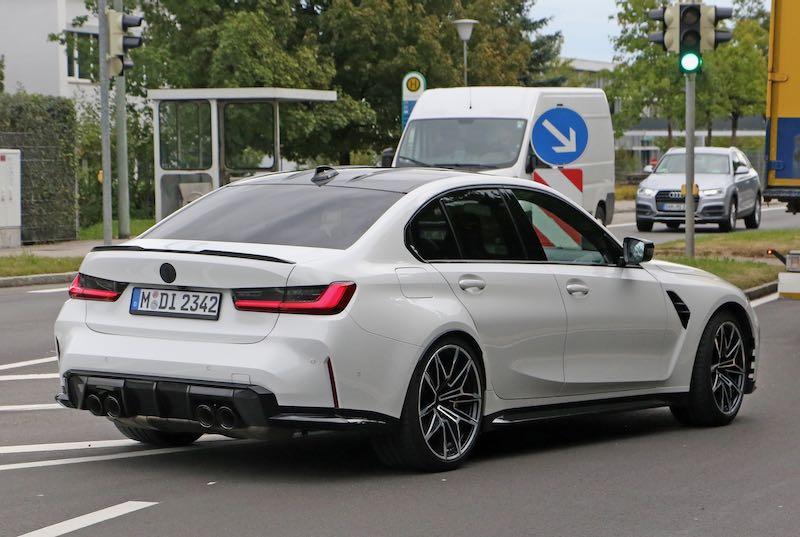 新型 BMW M3 セダン ホワイトボディ リアサイド