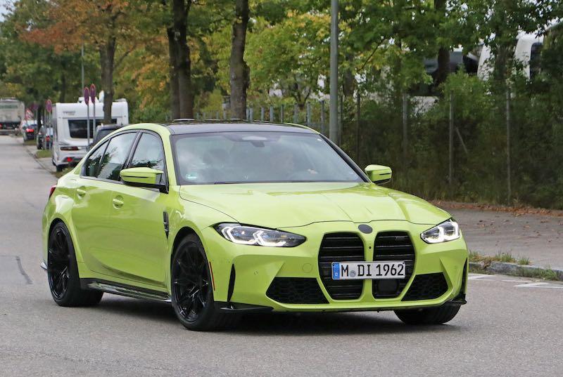 新型 BMW M3 セダン イエロー フロントサイド