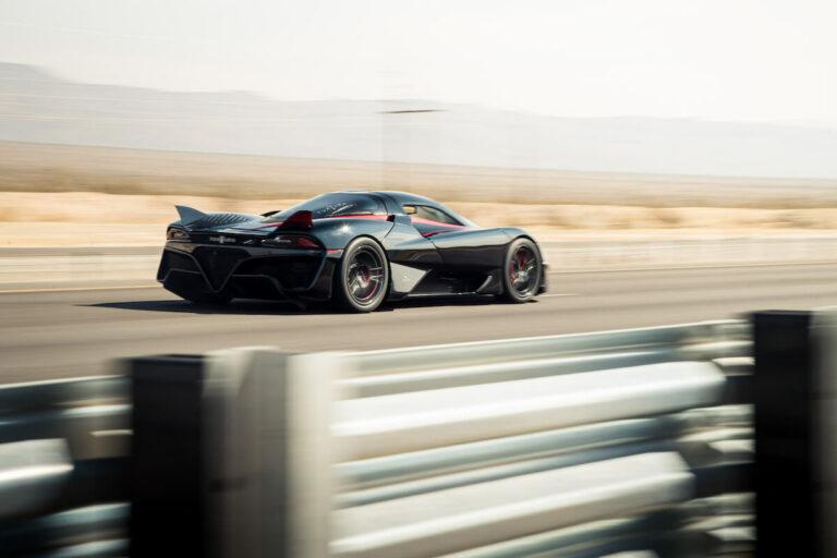 世界一速い車ランキングTOP21!世界最高速度&0-100km加速でランキング