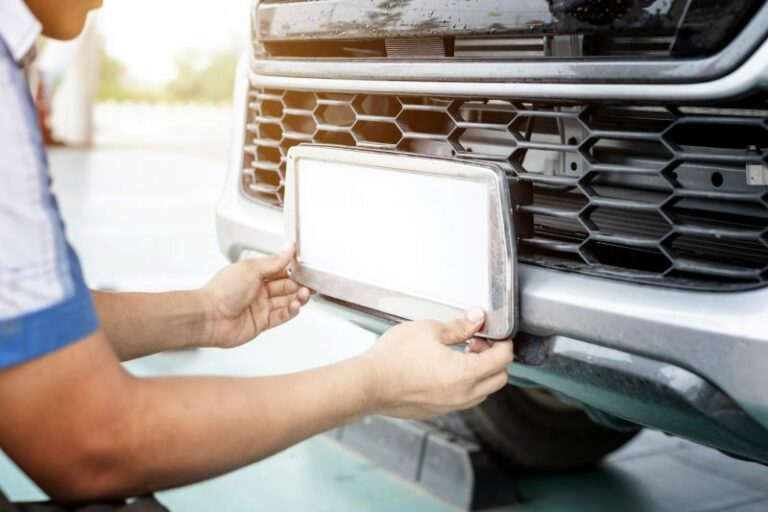 軽自動車✕白ナンバー取得の手続き方法|登録料金や申込期限を解説!ダサいと言われる理由は?