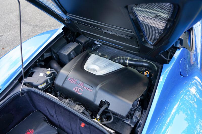 アルファロメオ 4C スパイダー イタリア エンジンルーム