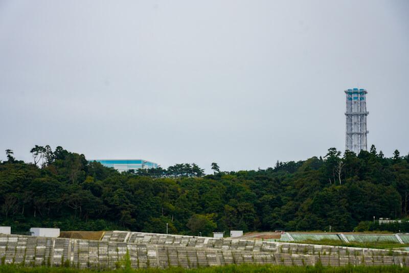 福島第一原発 建屋と煙突