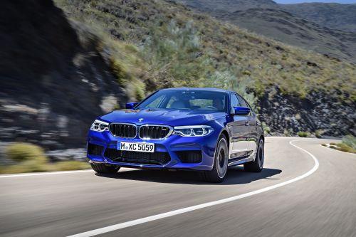BMW M5 フロントサイド