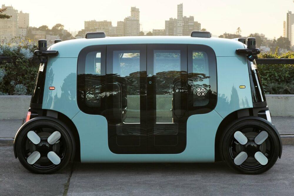 Amazon傘下のZOOXが開発した車両。車名は企業名と同じ「ZOOX」