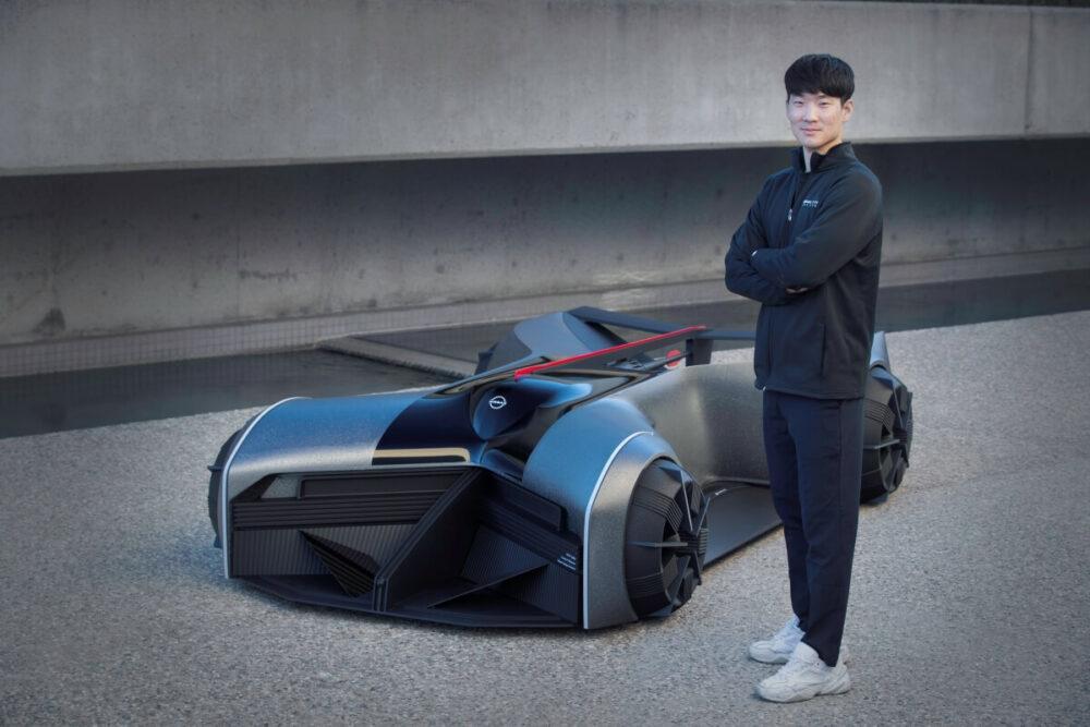 日産GT-R(X)2050と車両をデザインしたチェ氏
