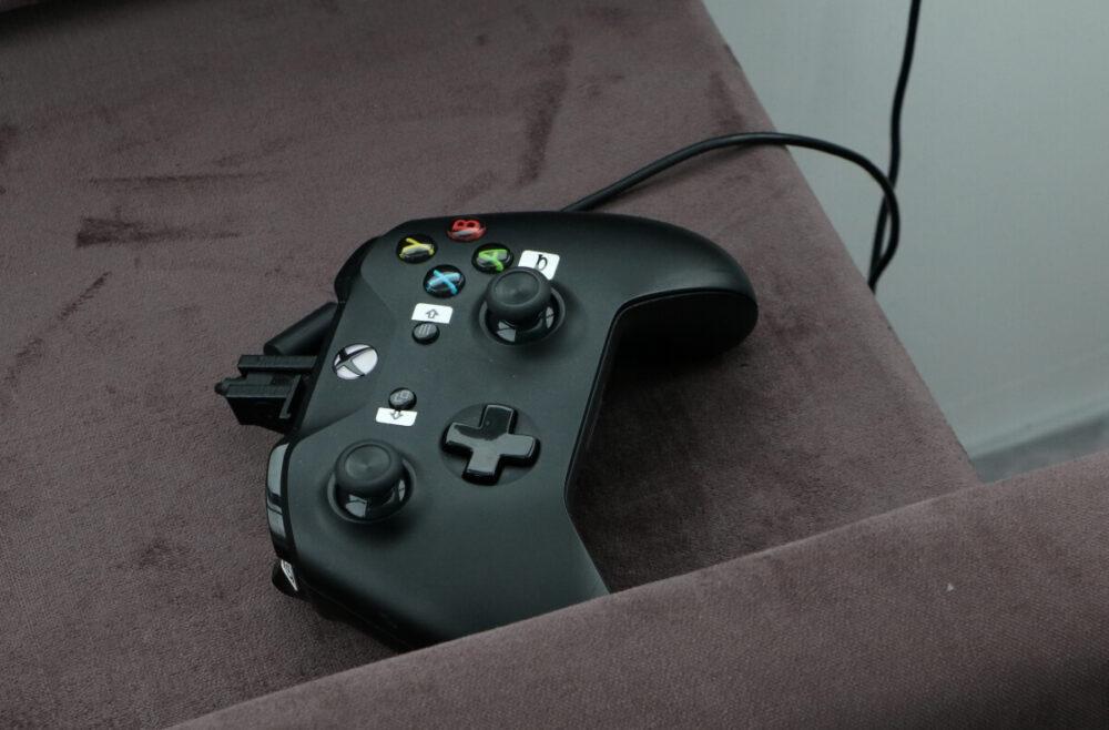 旧型モデルに使用されたXBOXのコントローラー