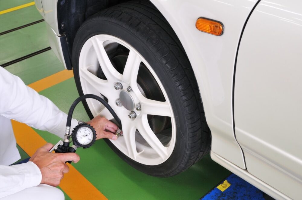 タイヤの空気圧の点検