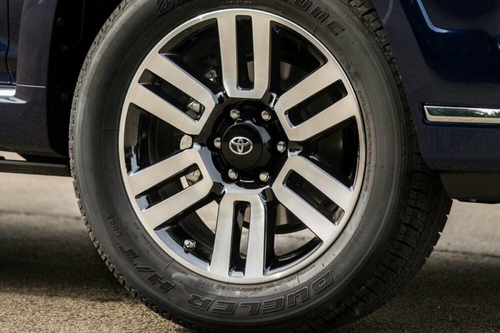 トヨタ 4ランナー(米国仕様車)の5穴ホイール