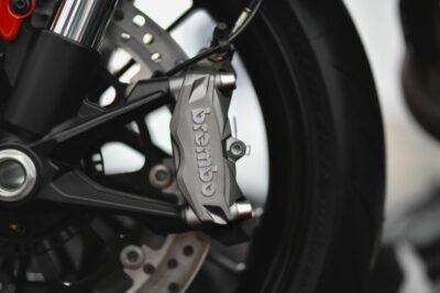 最速を止め続ける最高峰のブレーキメーカー「ブレンボ」の魅力とは?