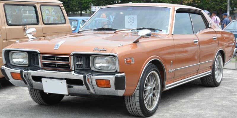 日産 グロリア 330型