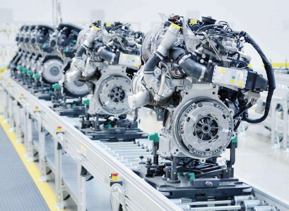 エンジン 工場
