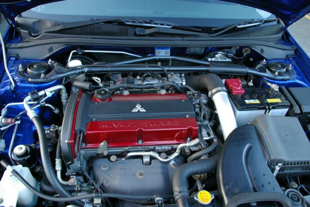 三菱 4G63 エンジン