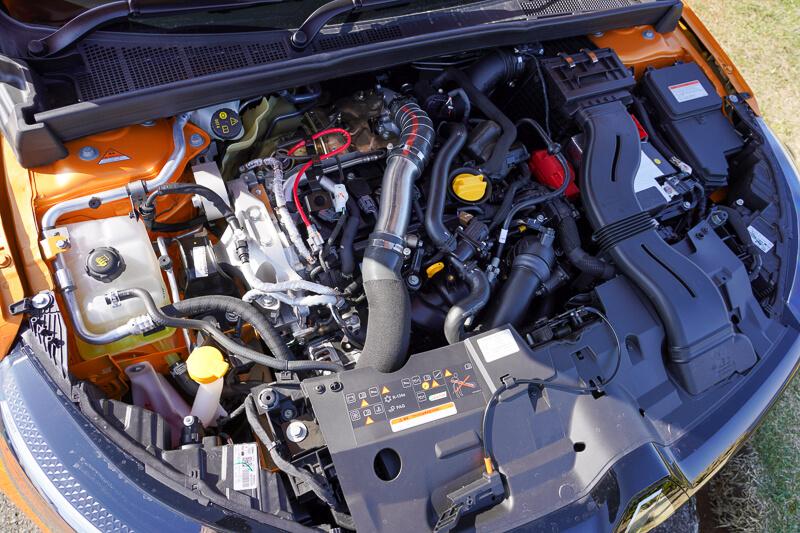 新型ルノー メガーヌ R.S. EDC のエンジンルーム