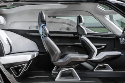 日本車には負けられない?ついにポルシェがミニバンを開発か?