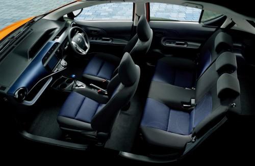 トヨタ アクア S 2014年 内装