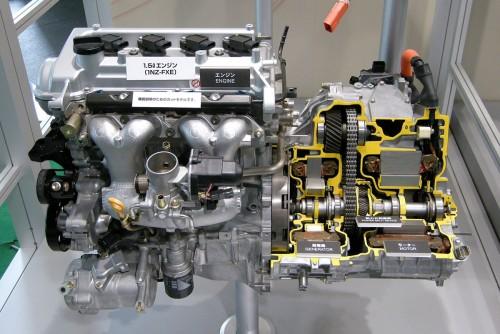 トヨタ 1NZ-FXEエンジンとハイブリッドモーターのカットモデル