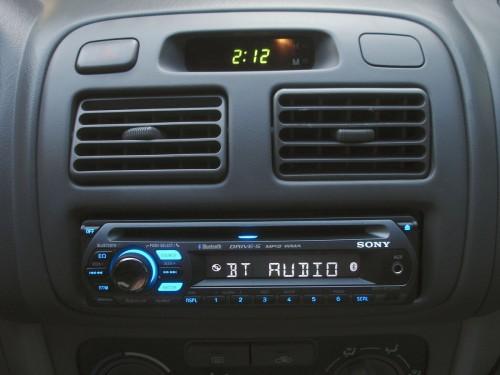 1DIN サイズのカーオーディオ ソニー MEX-BT2500