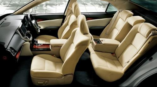 ヨタ クラウン Hybrid ロイヤルサルーンG