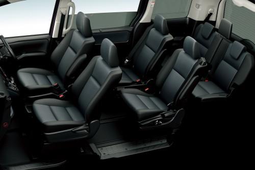 トヨタ ノア X ハイブリッド2014年 内装