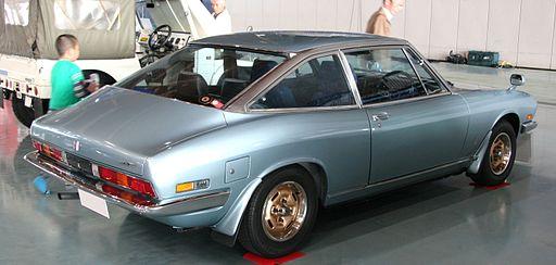 いすゞ 117 クーペ XE 第2期 1973-1976 背面