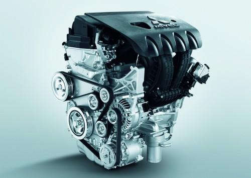 三菱 アウトランダー エンジン 2015年