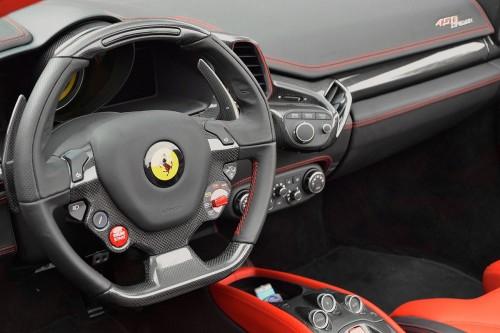 フェラーリ 458 スパイダー 内装