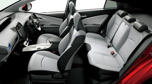 トヨタ プリウス 2015年 内装