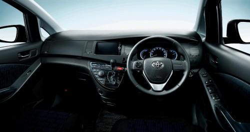 トヨタ アイシス プラタナ V-SELECTION 2013年 内装