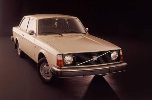 ボルボ 240シリーズ 1974年型