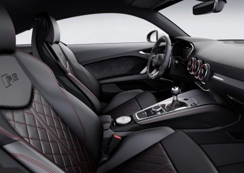 アウディ新型TT RS クーペ 内装