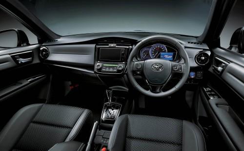 トヨタ カローラ フィールダー HYBRID G W×B 2015年 内装