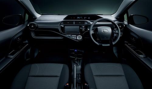 トヨタ アクア 特別仕様車 S STYLE BLACK 2016年 内装