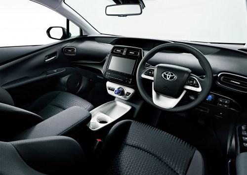トヨタ プリウス 2015年型 内装