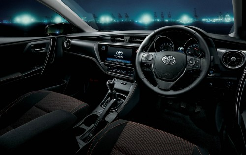 トヨタ オーリス RS 2015年 内装