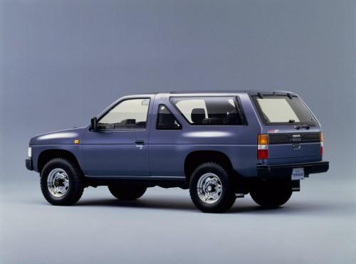 日産 テラノ WD21型 R3M 1986年