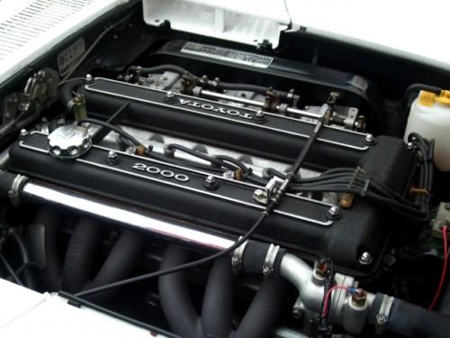 トヨタ 2000GT マイナーチェンジ エンジン