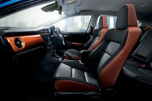 トヨタ オーリス120T 2015年 内装