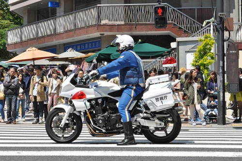 警察官 交通違反