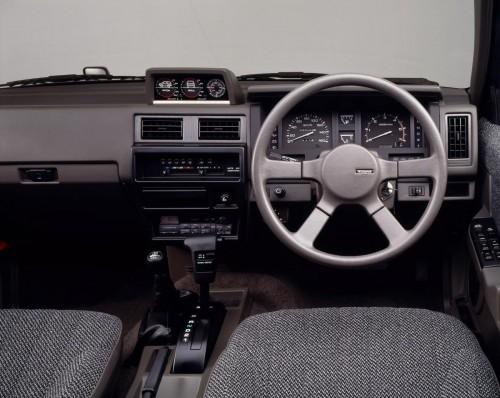 日産 テラノ WD21型 1991年 内装