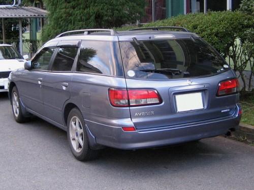 日産 アベニール W11型