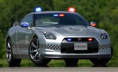 日産 GT-R パトカー