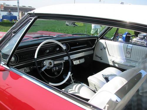 シボレー インパラ 2ドア 内装 1965年型