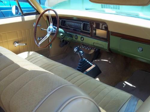 シボレー インパラ 2ドアクーペ 内装 1968年型