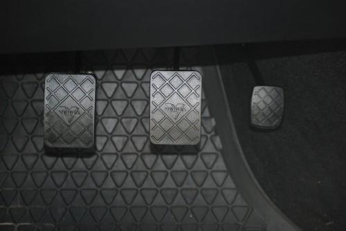 MT車 ブレーキペダル