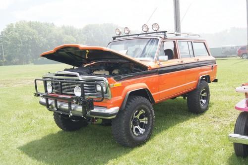 AMC ジープ グランドワゴニア 1984年