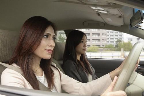 助手席 運転 ドライブ