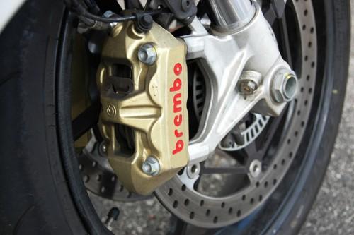 ブレーキ brembo バイク