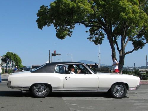 初代 シボレー モンテカルロ 横 1970年型