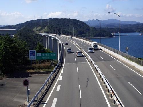 ハイドロプレーニング現象が起きやすい高速道路